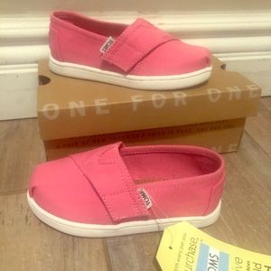 New in box Toms shoes
